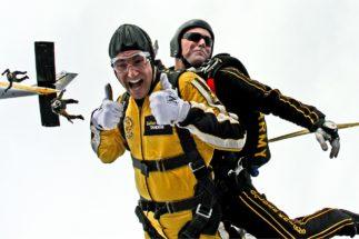 Skoki spadochronowe z instruktorem – jak to jest?